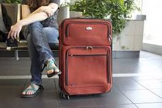 Avoid checked baggage fees and pack for your trip in one carry-on suitcase. These carry-on packing tips will teach you how to travel light like a pro. Best Luggage, Hand Luggage, Carry On Luggage, Travel Luggage, Airport Luggage, Cheap Luggage, Luggage Packing, Packing List For Disney, Packing Tips For Travel