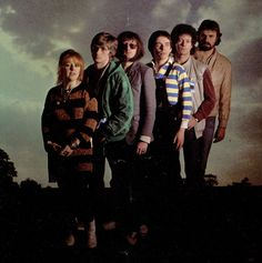 Mike Oldfield's band in Moonlight Shadow ft Maggie Reilly. 80s Music, Rock Music, Tubular Bells, Mike Oldfield, Psychedelic Bands, Call Art, Dark Star, Progressive Rock, My Favorite Music