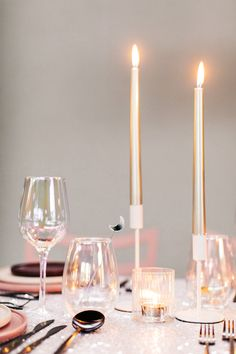 J+S TROUWEN TIJDENS DE FEESTDAGEN | Studio Spruijt Happy Day, Wedding Day, Candles, Weddings, Studio, Pi Day Wedding, Marriage Anniversary, Wedding, Candy