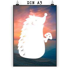 Poster DIN A3 Igel mit Pilz aus Papier 160 Gramm  weiß - Das Original von Mr. & Mrs. Panda.  Jedes wunderschöne Motiv auf unseren Postern aus dem Hause Mr. & Mrs. Panda wird mit viel Liebe von Mrs. Panda handgezeichnet und entworfen.  Unsere Poster werden mit sehr hochwertigen Tinten gedruckt und sind 40 Jahre UV-Lichtbeständig und auch für Kinderzimmer absolut unbedenklich. Dein Poster wird sicher verpackt per Post geliefert.    Über unser Motiv Igel mit Pilz  Dieser kleine Stachelfreund…
