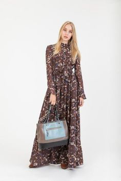 Brown long floral printed dress, made of polyester, with print. Brown Dress, Floral Prints, Dresses With Sleeves, Clothes For Women, Long Sleeve, Collection, Fashion, Outerwear Women, Moda