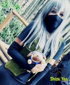 Hatake Kakashi - Genderbend - Naruto Shippuden Cosplay #genderbend #cosplay #naruto #shippuuden #costume #pakkun #redeyes #sharingan #photo
