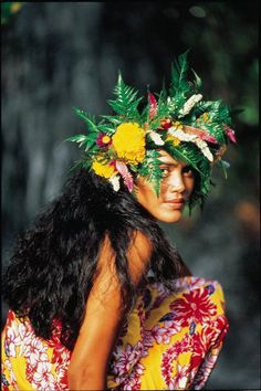 Beautiful Tahitian woman