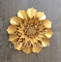 Discover thousands of images about DIY Paper Flower Template 2 Paper flower Backdrop Hard Paper Flowers Craft, Large Paper Flowers, Paper Flower Wall, Crepe Paper Flowers, Paper Flower Backdrop, Giant Paper Flowers, Paper Roses, Flower Crafts, Diy Flowers
