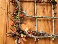 podzimní okénko Harvest Decorations, Thanksgiving Decorations, Fall Arts And Crafts, Diy And Crafts, Autumn Decorating, Fall Decor, Fake Flowers, Dried Flowers, Christmas Art