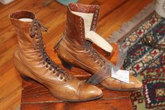 Antique Vtg. Edwardian Womens Lacer Boots Lacers size 7 by Taite