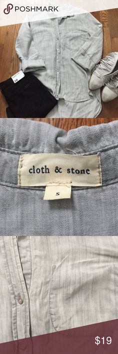 Cloth & Stone gray chambray shirt S Good condition. Hi-lo. Silver Metal buttons, 3/4 sleeves with no buttons, pocket is intentionally in the inside (I dunno why😜.) Great layering piece. Measurements chest; 19 inches, length: front: 23.5 inches, back: 28 inches cloth & stone Tops Button Down Shirts