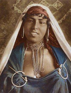 "Africa | ""Woman with jewellery"".  Tunisia.  ca. 1910 | Photo taken by Lehnert & Landrock."