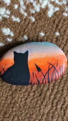 Painted Rock Animals, Painted Rocks Craft, Hand Painted Rocks, Pebble Painting, Pebble Art, Stone Painting, Stone Crafts, Rock Crafts, Arts And Crafts