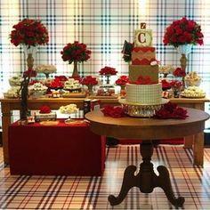 Decoração  inspirada na #Burberry feita pela @lacodefestaslz  #catalogodeideias #festalinda #festaadulto #party…