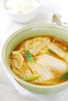 Baechu Doenjang Guk (Soybean paste soup with napa cabbage)!