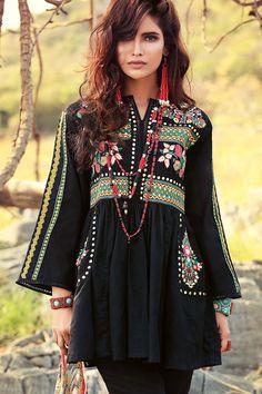 Gul Ahmed Gypsy Eid Lawn Collection 2017 With Price Frock Fashion, Boho Fashion, Fashion Dresses, Fashion Ideas, Simple Pakistani Dresses, Pakistani Outfits, Pakistani Clothes Online, Afghan Dresses, Pakistan Fashion