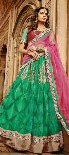 WEDDING COUTURE-looking for royal style for the bride? Have a look at this #lehenga.  #IndianWedding