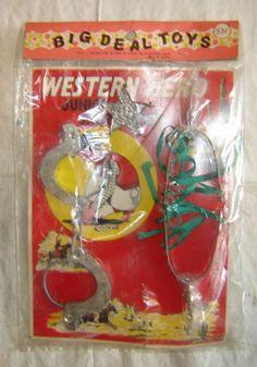 Vintage 1950s WESTERN HERO SHERIFF Set Handcuffs Badge Spurs MINT IN PACKAGE