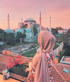 [New] The 10 Best Home Decor (with Pictures) - Saluut Abonnez vous lhbab nv compte . Niqab Fashion, Muslim Fashion, Fashion Clothes, Fashion Women, Fashion Ideas, Fashion Tips, Beautiful Muslim Women, Beautiful Hijab, Beautiful Dresses