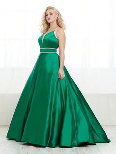 16450 - House of Wu Plus Prom Dresses, Formal Dresses, Elegant Ball Gowns, Satin Color, V Neck Dress, A Line Skirts, Fit And Flare, Designer Dresses, Tiffany