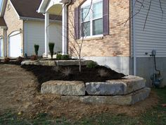 pictures of boulder retaining walls Landscaping With Boulders, Landscaping A Slope, Landscaping Retaining Walls, Landscaping Ideas, Lawn And Landscape, House Landscape, Landscape Walls, Landscape Design, Sloped Front Yard