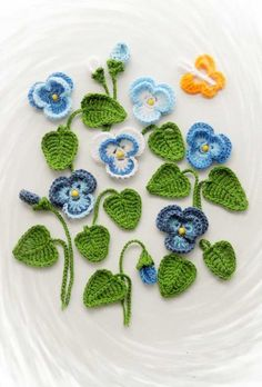 Crochet Applique - Pansy Viola Flowers and Leaves Set - Pansies and Violas Flowers Appliques Au Crochet, Crochet Motifs, Sewing Appliques, Crochet Flower Patterns, Crochet Yarn, Knitting Yarn, Crochet Flowers, Hand Crochet, Crochet Stitches