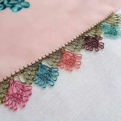 Writing Edge Laces – Her Telden News Crochet Unique, Outdoor Fotografie, Hand Embroidery Videos, Crochet Borders, Tatting Lace, Sewing Art, Needle Lace, Lace Making, Chain Stitch