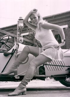 Veronica Carlson, Frankenstein Must Be Destroyed , Dracula Has Risen from the Grave The Horror of Frankenstein Hammer Horror Films, Hammer Films, Horror Movies, The Veronicas, Vintage Boots, Vintage Stockings, Vintage Tv, Vintage Beauty, Vintage Travel