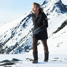 Gipfelstürmer: Mit Lands' End Winterjacken bist du immer auf dem richtigen Weg. #Wintermode #Winterzeit #Bergwanderung