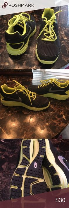 Nike Lunarlon Active Shoes Black and neon Yellow Shoes like New Nike Shoes Athletic Shoes