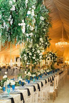 opulent wedding design, opulent wedding, suspended floral design, ivory, chandeliers, tabletop decor