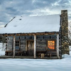 A rustic little cabin in the snow. 🏡 Looks cozy, but is anyone else ready for spring? 🥶 #cabin #wintercabin #rustic #logcabin #cabinlife #cabinfever Off Grid Cabin, Winter Cabin, Little Cabin, Off The Grid, Cabin Fever, Bushcraft, Survival, Cozy, Snow