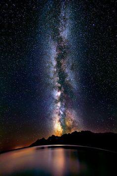 La Vía Láctea sobre el Lago Titicaca, Perú