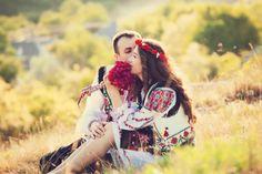 Eliza și Tudor. Nuntă în Ratuș, Telenești Romanian Wedding, Tudor, Photography Ideas, Traditional, Popular, Engagement, Couples, Design, Women