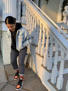 Swag, new age slang attractive visual appeal or manner. Wish to outfit just like a swaggy? Tomboy Outfits, Chill Outfits, Dope Outfits, Swag Outfits, Trendy Outfits, Fashion Outfits, Ladies Fashion, Queer Fashion, Outfit Jeans