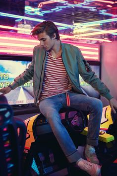 Come and read about the latest Tommy Hilfiger collections and choose your favorite line! Hilfiger Denim, Tommy Hilfiger, Lucky Blue Smith, Men Photoshoot, Good Poses, Photography Poses For Men, Foto Instagram, Lucky Girl, Portrait Poses
