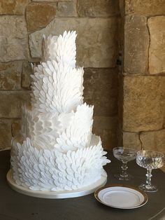 The Newest Wedding Cake Trends | Brides