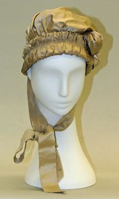Early 19thC women's silk/satin ruched hat