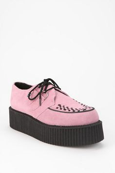 aaaaahhh i likeeeeee !!! *a woman never ever ever can have enough shoes.* T.U.K. Mondo Suede Creeper