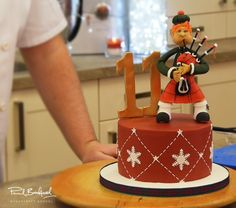 11 Pipers Scotsman Cake Tutorial with Paul Bradford