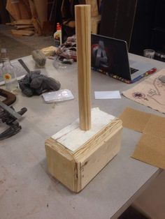 Thor hammer Cosplay Tutoria from alicestyless.coml