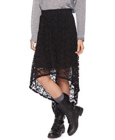Black Lace High-Low Skirt   2000034047 (FOREVER21) $19.80