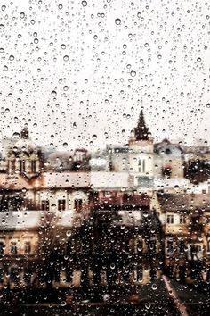 What Makes Gymnopédie No. 1 so Special? Rainy Mood, Rainy Days, Beautiful Places, Beautiful Pictures, I Love Rain, Rain Photography, Art Vintage, Singing In The Rain, When It Rains