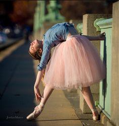 How ballerinas sunbathe!
