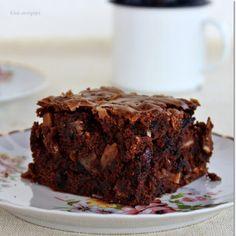 Puha és pillekönnyű gofri csokisan, illatosan Muffin, Desserts, Food, Tailgate Desserts, Deserts, Essen, Muffins, Postres, Meals