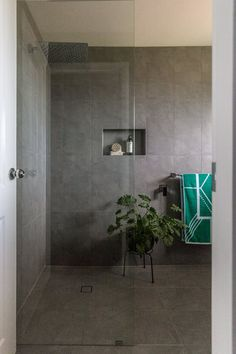 Grey floor and wall tile, open shower, bathroom renovation by Northern Rivers Bathroom Renovations Master Bathroom Shower, Steam Showers Bathroom, Modern Bathroom, Grab Bars In Bathroom, Open Showers, Steam Spa, Glass Shower Doors, Grey Flooring, Wall Tile