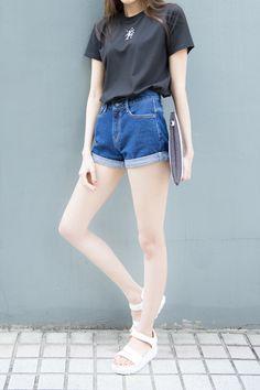 Korean Fashion – How to Dress up Korean Style – Designer Fashion Tips Simple Outfits, Short Outfits, Casual Outfits, Cute Outfits, Fashion Outfits, Womens Fashion, Korean Fashion Trends, Asian Fashion, Korean Women Fashion
