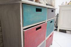 Commode multi-tiroirs : la vie en couleurs |