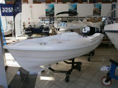 Bote Albacora con motor Yamaha de 6HP http://www.nauticaydeportes.com/barcos/bote-albacora-3-50 #barco
