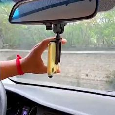 👍 2020 New Car Bracket ✅ 360-degree rotation & anti-slip Car Interior Accessories, Cute Car Accessories, Car Interior Design, Jeep Wrangler Accessories, Cool Gadgets To Buy, Cute Cars, Useful Life Hacks, Future Car, Dream Cars