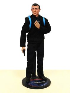 """Sean Connery as James Bond in Goldfinger - 12"""" figure (Sideshow Collectibles)"""