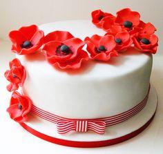 Red poppies wedding cake