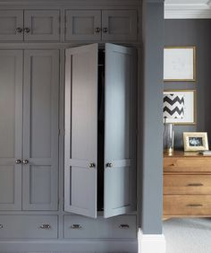 Bedroom Wardrobe - Cabinetry designed and manufactured by Humphrey Munson Kitchens Wardrobe Wall, Bedroom Built In Wardrobe, Bedroom Built Ins, Fitted Bedroom Furniture, Fitted Bedrooms, Bedroom Closet Design, Wardrobe Doors, Wardrobes For Bedrooms, Closets