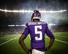 Minnesota Vikings News: Teddy Bridgewater Suffers From Dislocated Knee, Torn ACL During Practice - http://www.morningledger.com/minnesota-vikings-news-bridgewater-acl/1397906/